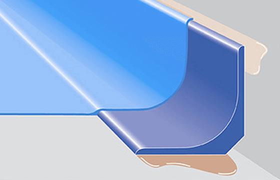 Hohlkehlenprofil für Boden- und Wandanschluss, industriell vorgefertigt.